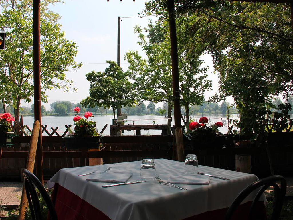 Sala esterna laghi